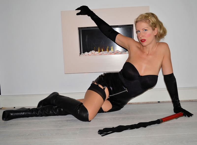Elite Mistress Helena on Tour arriving in London
